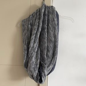 Two toned circle scarf